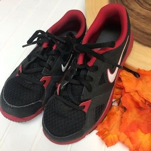 Nike Training Sneakers 👟 Great Condition